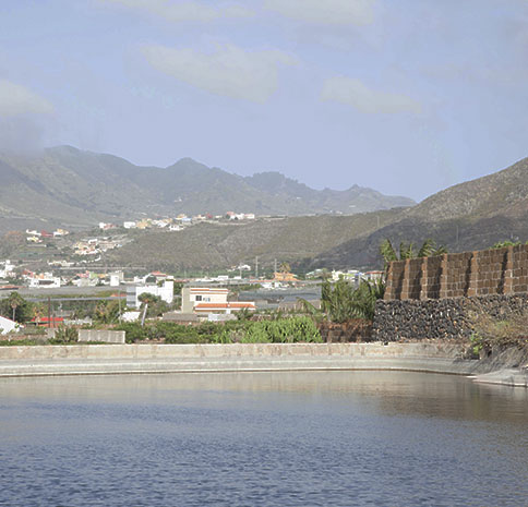 EXPECTACULAR FINCA EN LA ISLA DE TENERIFE, MIXTA RECREO Y AGRICOLA